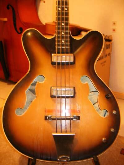 Советская бас-гитара Мария