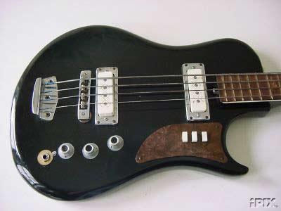 Бас-гитара Урал