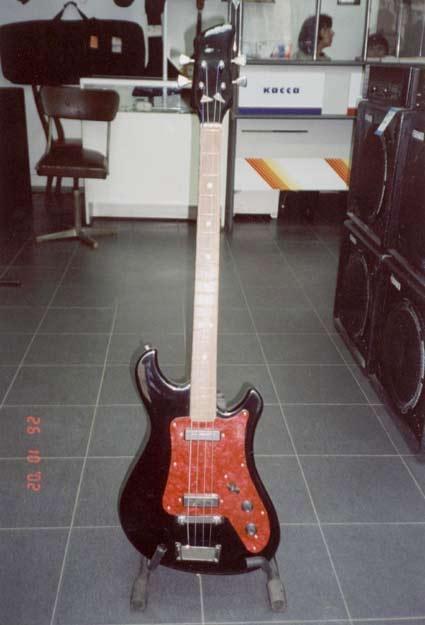 Советская бас-гитара Кавказ-2