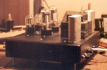 MIDI-контроллер Novation Audiohub 2x4